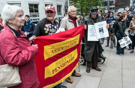 pensioners against the crisis, by Anna Forgione