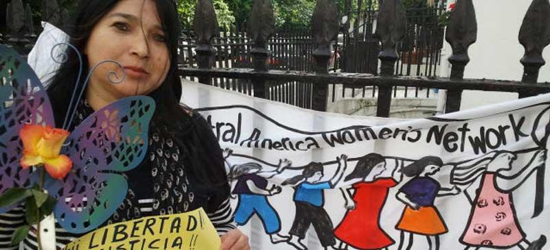 El-Salvador-embassy-protest
